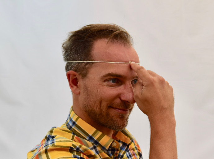 Head measurement with string