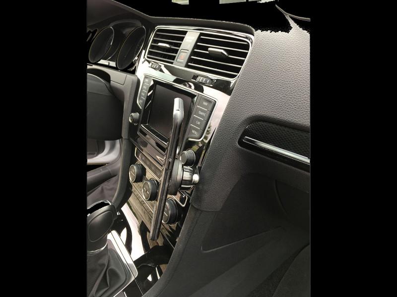 Rennline ExactFit Screw-in Magnetic Phone Mount for MK7 Volkswagen