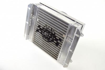 CSF Universal Dual-fluid oil cooler (Heavy Duty Bar/plate with SPAL Fan & -10 fittings)