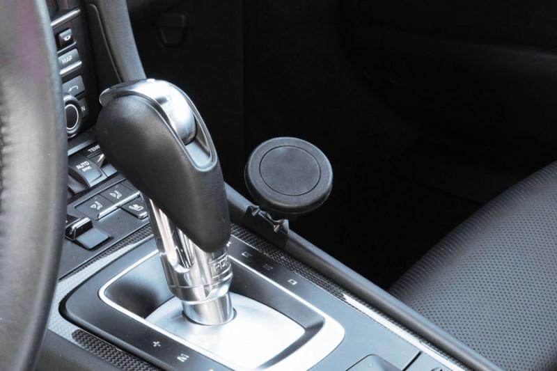 Rennline ExactFit phone mount Porsche 991