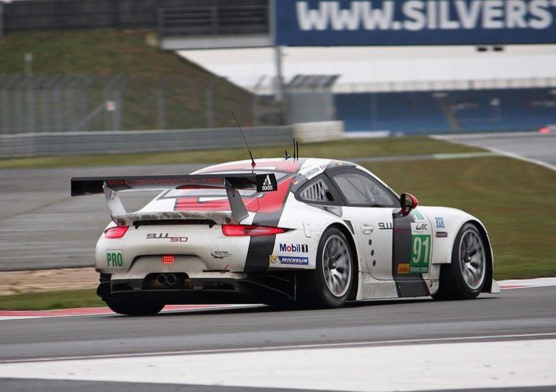 Cartek light on Porsche GT3