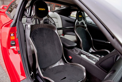 Tillett B1 seats in a Nissan GT-R with rollbar