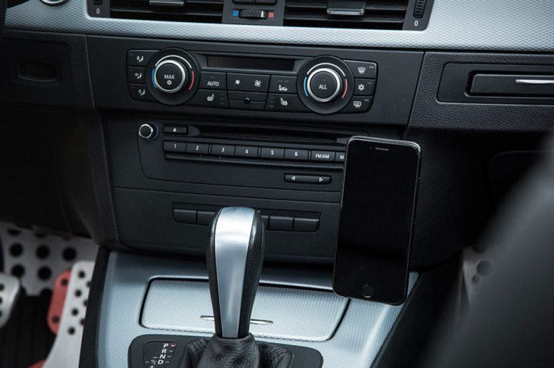 Rennline ExactFit Screw-in Magnetic Phone Mount BMW E46